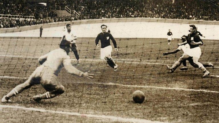 №14. BRAZIL - CZECHOSLOVAKIA 2:1 (0:1) - replay match. Чехов доломали