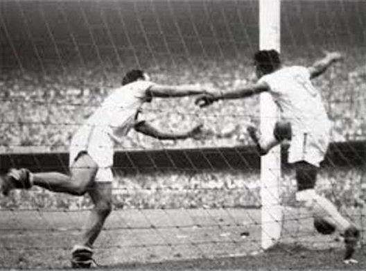№11. BRAZIL - YUGOSLAVIA 2:0 (1:0). Югославов вынудили начать матч вдесятером.